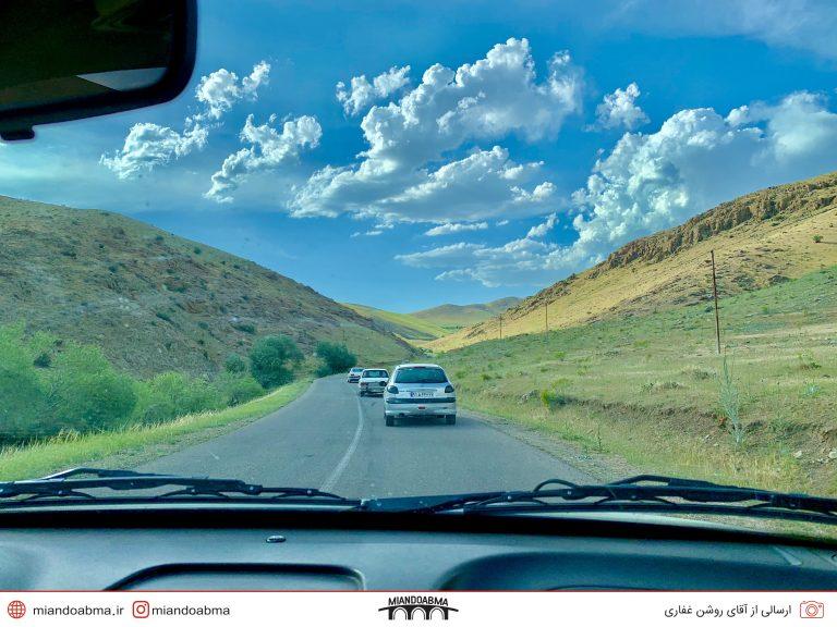 عکس تو ماشینی از جاده چاغر احمد